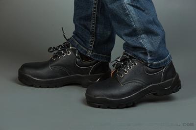 防静电鞋保护的不止是脚