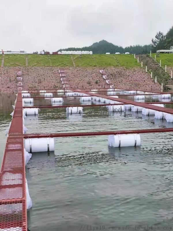 石斑鱼养殖网箱,加州鲈鱼养殖设备,养殖网养鱼箱